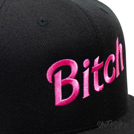 czapka BITCH