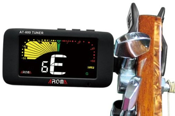 tuner / stroik gitarowy AROMA AT-600 uniwersalny, na klips